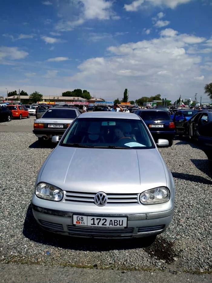 Volkswagen Golf . Photo 5