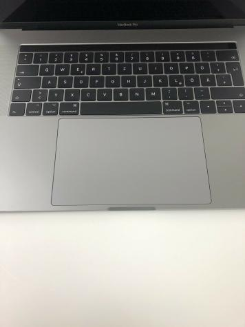 Apple Macbook pro 15. Photo 1