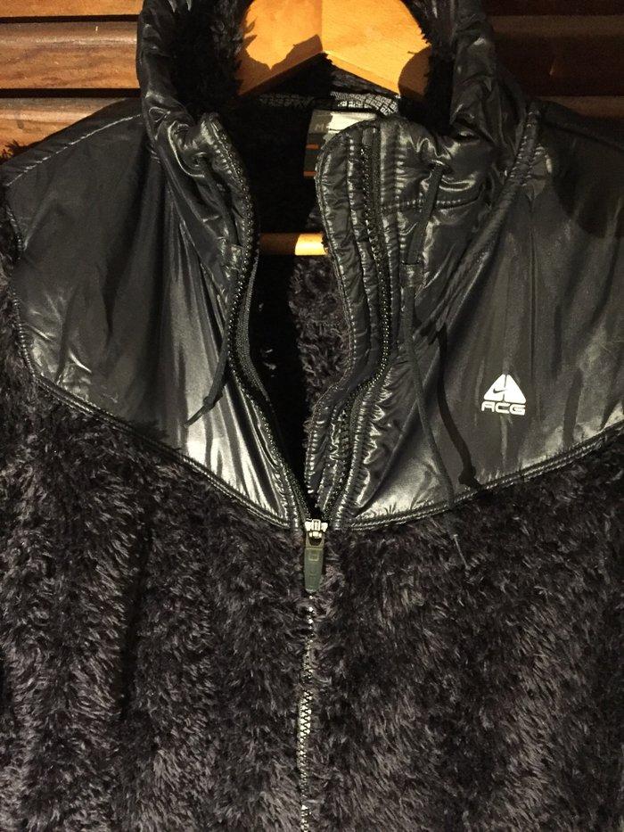 Μπουφάν Nike από συνθετική γούνα και βινίλ Νο Medium Ολοκαίνουργιο 25€. Photo 1
