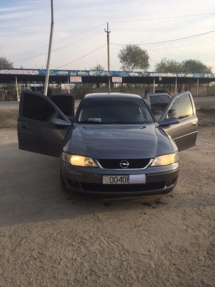 Opel Vectra 2002 в Джавонон