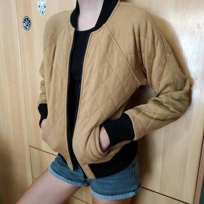 Woman's jacket bershka size small light brown colour. Photo 1
