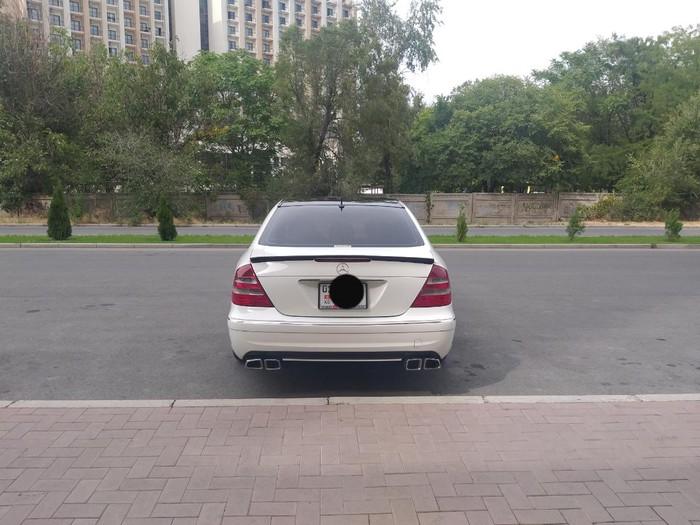 Mercedes-Benz E 320 2003. Photo 4