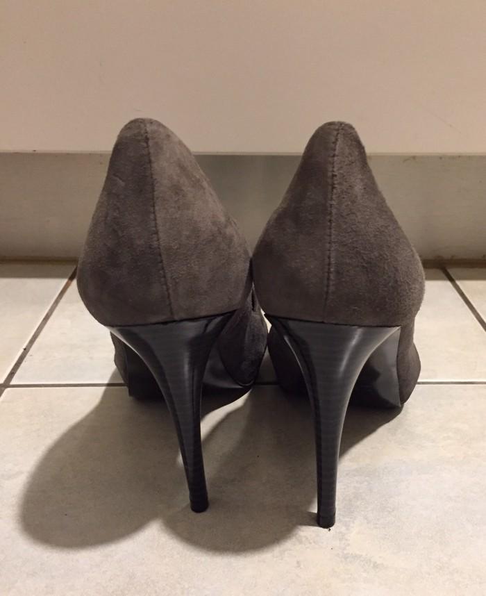 Zara suede ανθρακί peep toes . Καινούργια .. Photo 2