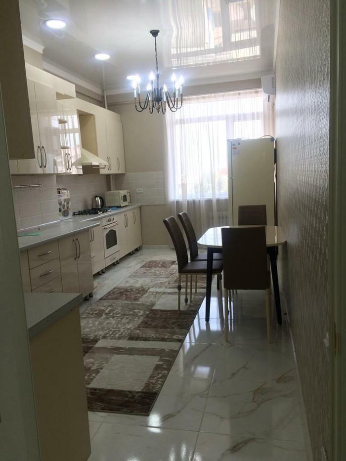 Сдается квартира: 3 комнаты, 140 кв. м., Бишкек. Photo 0