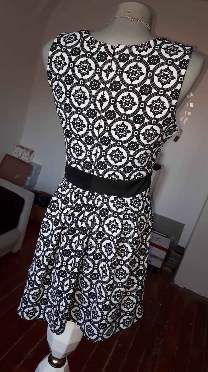 Crno bela haljinica S/M