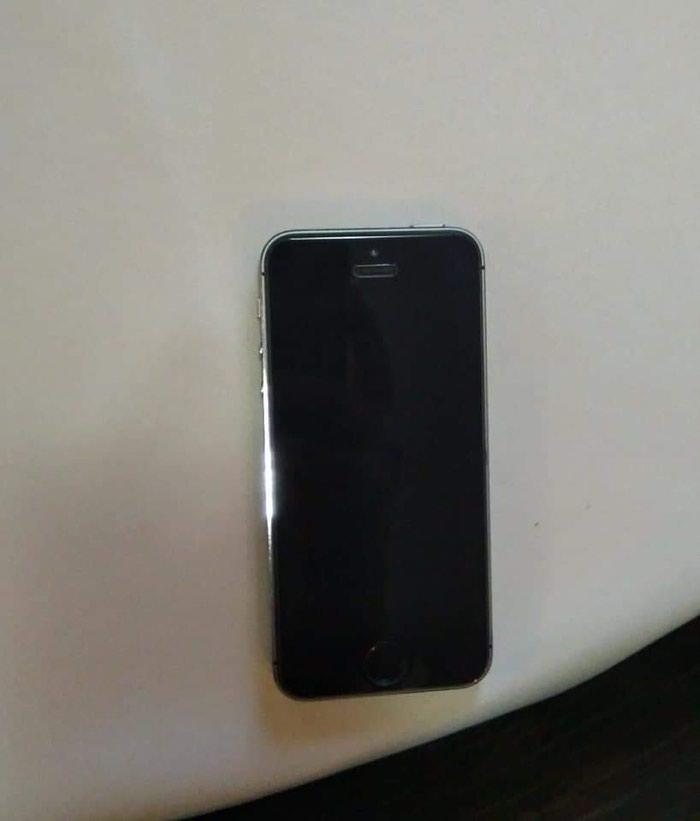 Iphone 5s u ispravnom stanju sve radii ful oprema moguca zamena realna. Photo 3
