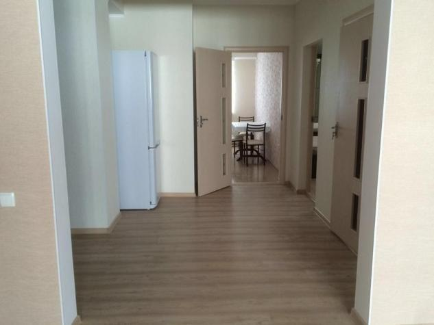 Продается квартира: 2 комнаты, 88 кв. м., Бишкек. Photo 2