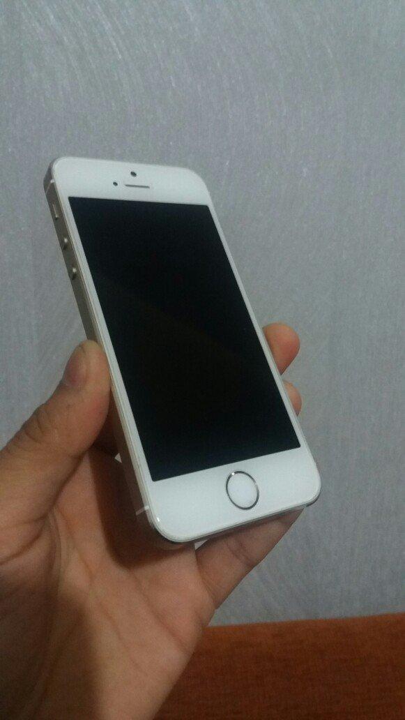 продаю айфон 5s gold. 32gb. состояние как новый. коробка, зарядка. защ в Лебединовка