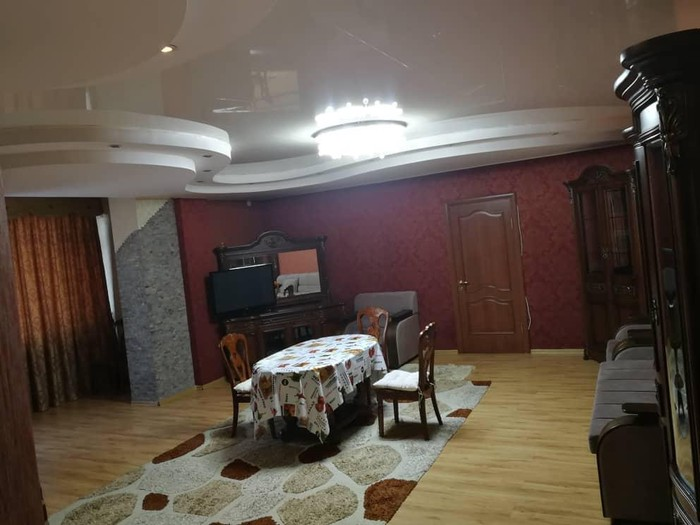 Сдается квартира: 2 комнаты, 75 кв. м., Бишкек. Photo 0