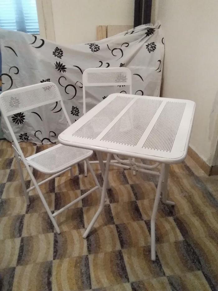 Τραπεζάκι σιδερένιο με 4 καρέκλες σε πολύ καλή κατάσταση 80 επί 60 πόντους λευκό πωληται 50 ευρώ Πέραμα Αττικής