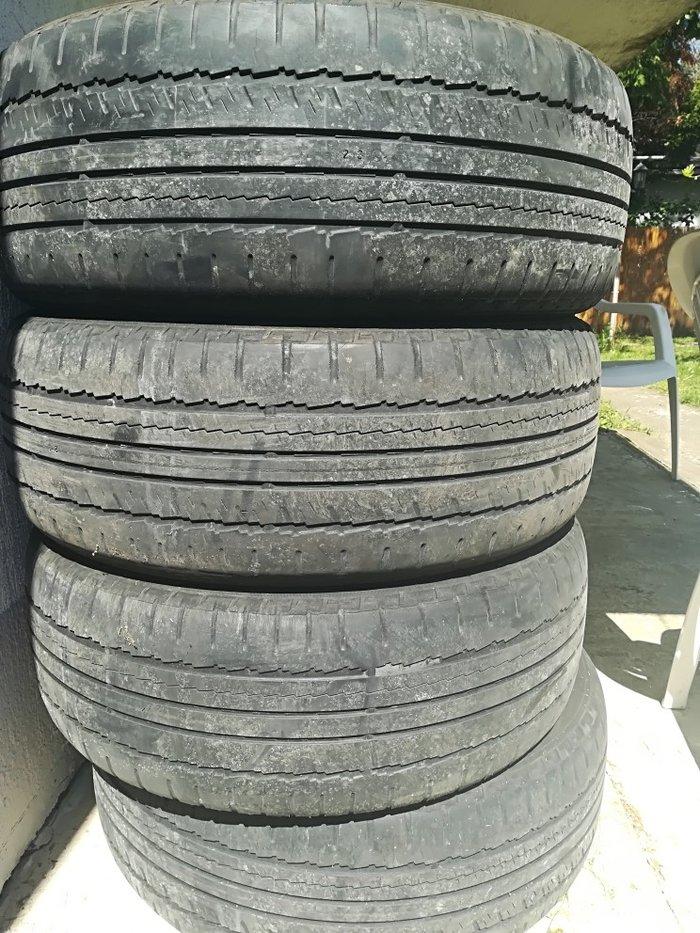 Letnje gume nokijan, 225/55R18, sve cetri gume 5000 din. - Beograd