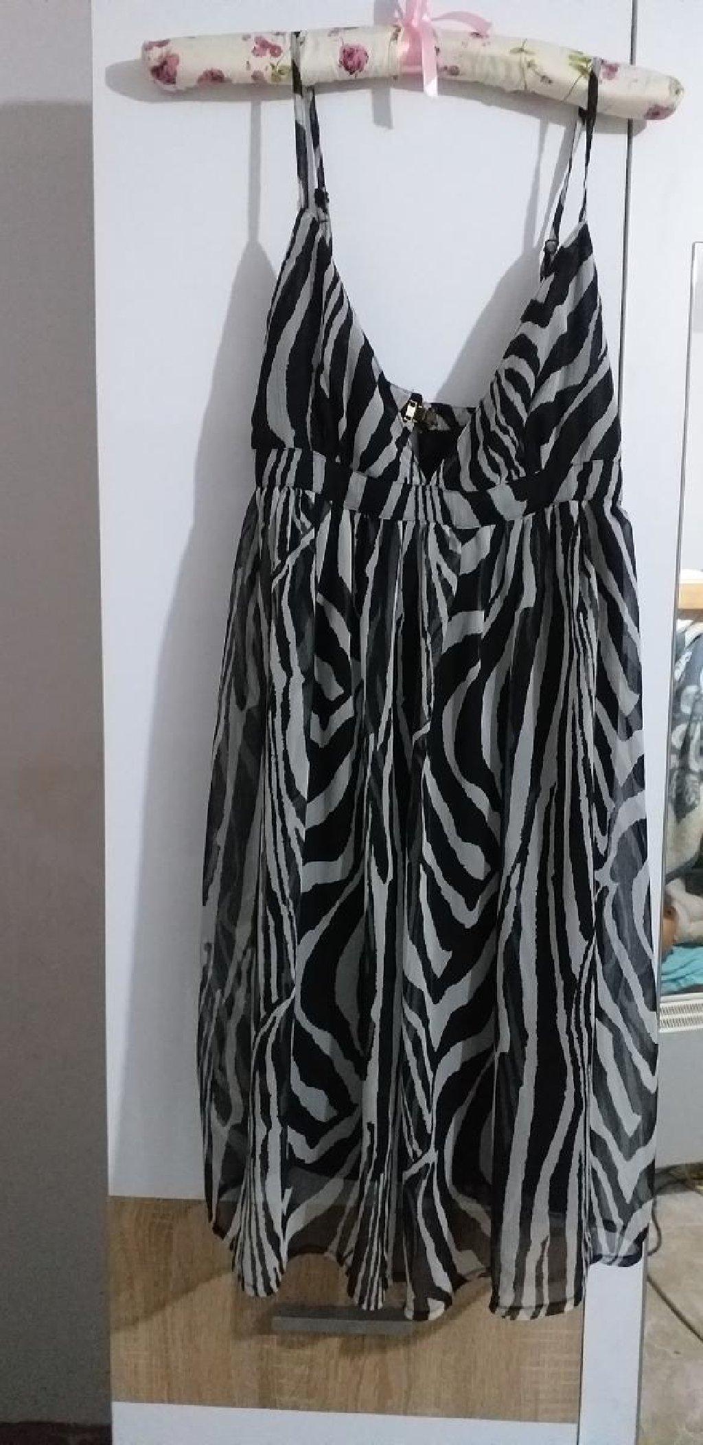 HiM haljina, jednom obucena. Lep materijal
