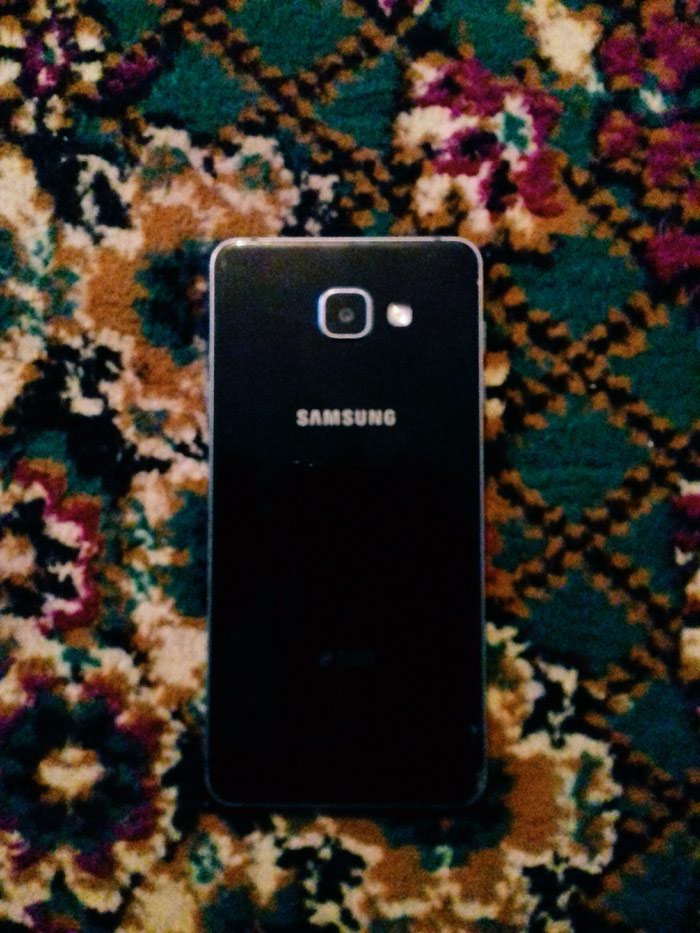 Samsung A7 2016. Photo 3