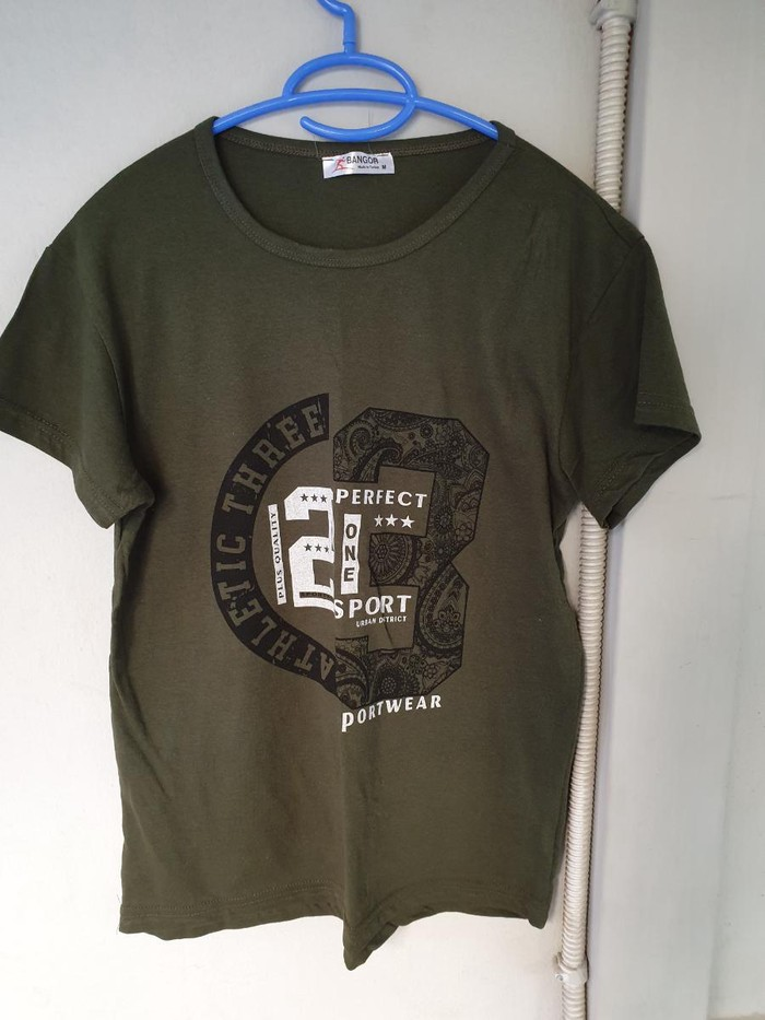 T shirt. Photo 0