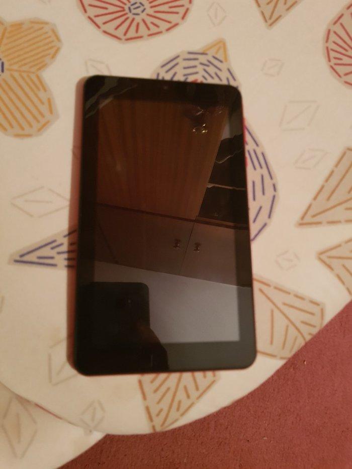 E-star tablet, αχρησιμοποιητο. Μοντελο: eStar BEAUTYHD QUAD CORE RED (. Photo 1
