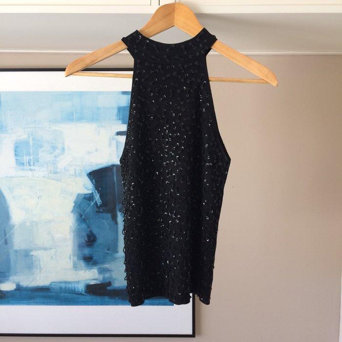 Μαύρη, αμάνικη, πλεκτή μπλούζα με σε Νέα Σμύρνη