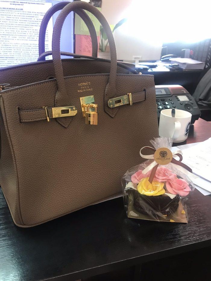 68432f12fa31 Продаю сумку, размер средний Новая, за 1800 KGS в Бишкеке: Сумки на ...