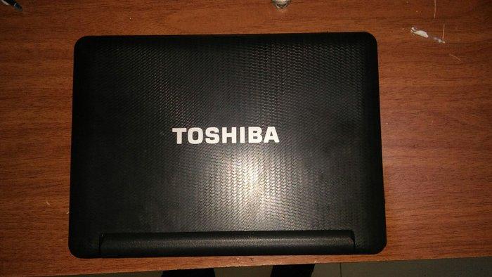 Sumqayıt şəhərində Toshiba ac 100. Android platformalı netbook. Daxili yaddaş 8 gb. Xaric
