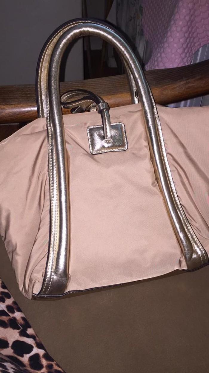 Yeni çanta qadın uçün. Photo 0