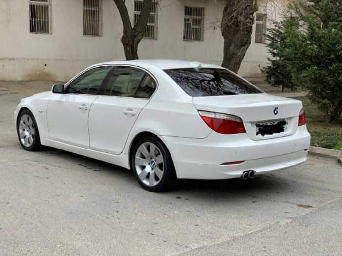 BMW . Photo 3