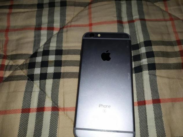 IPhone 6s 16gb me to kouti tou. Photo 4
