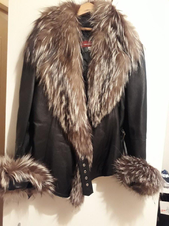 Prodajem koznu jaknu, cena 130 e, sa krznom