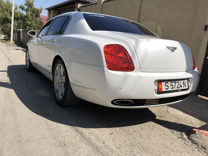 Bentley Continental Flying Spur 2006. Photo 3