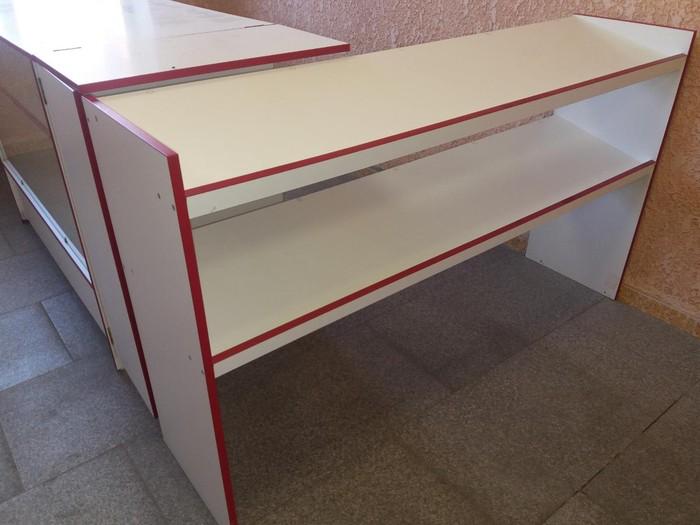 Продам для магазина кассовый стол с прилавками и витринной.. Photo 2