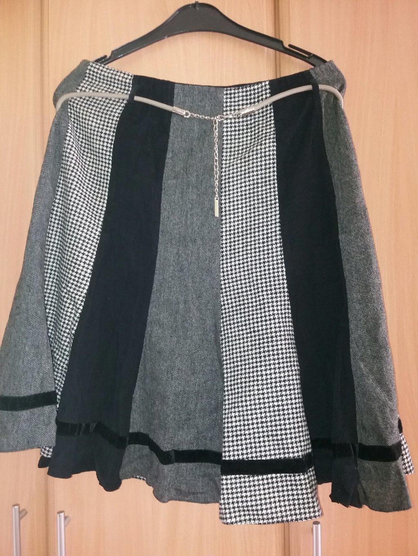 Suknja crno-siva od raznih stofova XL