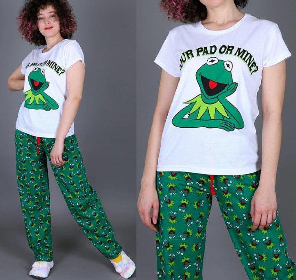 Pijama komando bütün bədənləri vardır