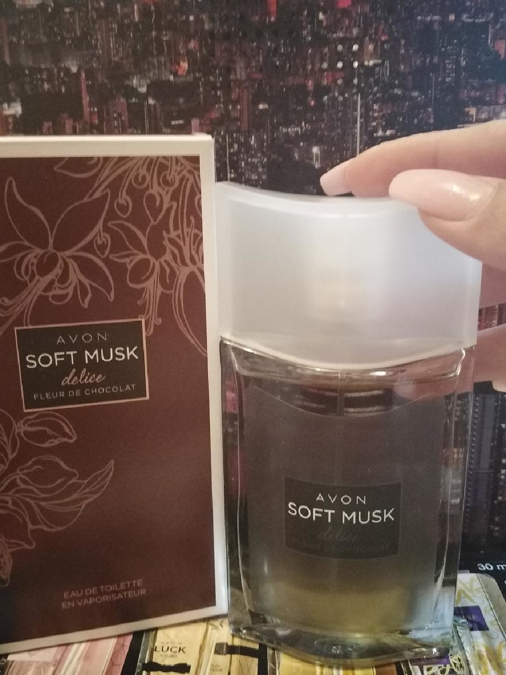 Avon Soft Musk cokoladni 50ml samo jednom prsnut, nov