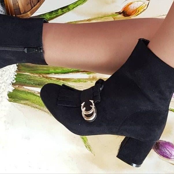 Ženska patike i atletske cipele - Batajnica: Nove broj 38 izuzetan kvalitet i model akcija Finalno sniženje