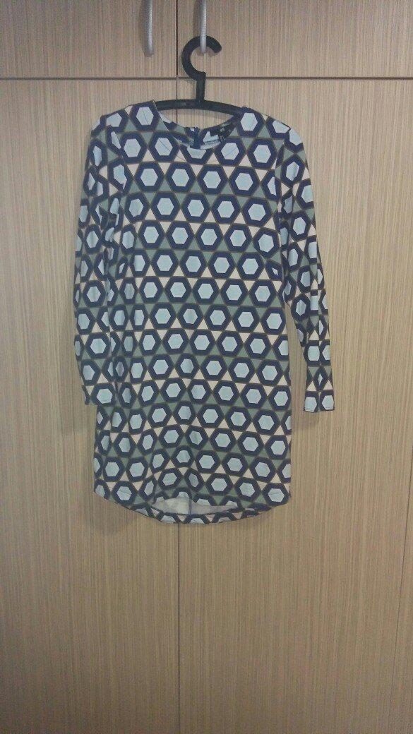 H&m φορεμα small ελ. μεταχειρισμενο. μηκος πανω απο το γονατο. αποστολ σε Αθήνα