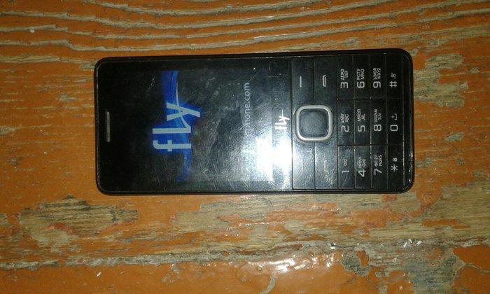 Fly telefon isdenib normal veziyetdedi iki nomreli bir denede yaddas. Photo 2