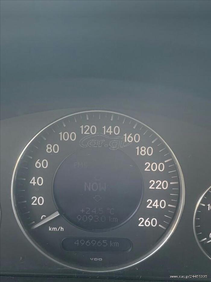 Mercedes-Benz E 220 2003. Photo 1