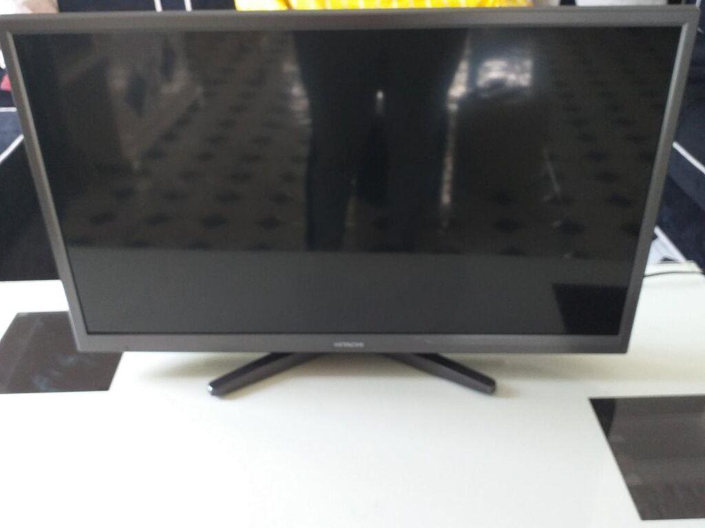 Prodajem televizor hitacni 39cm visina sa 70inca ispravan
