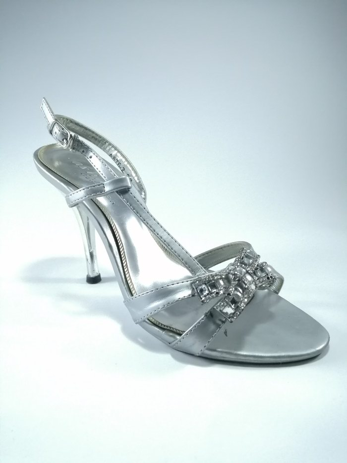 Srebrne sandale. Velicina 36. Photo 2
