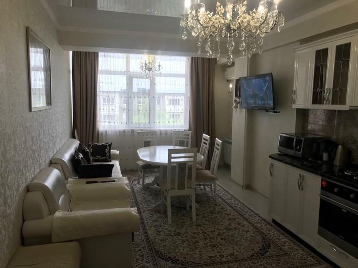 Продается квартира: 2 комнаты, 85 кв. м., Бишкек. Photo 4