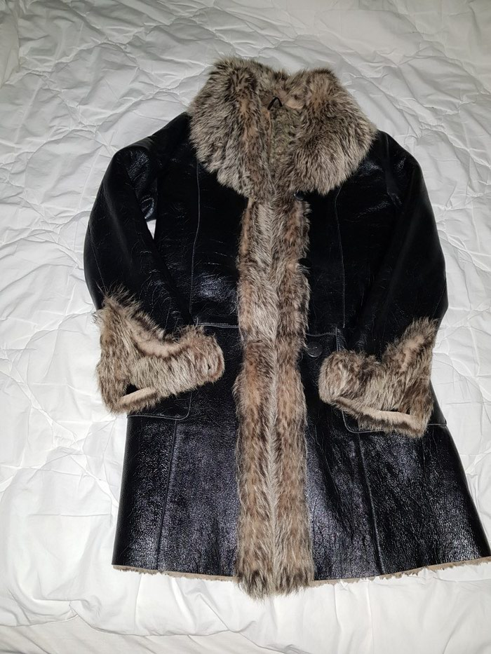 Kozna bunda sa prirodnim krznom. par puta obucena. velicina M. Photo 2