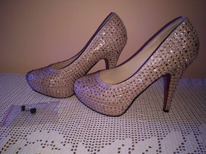 Cipele, zlatne boje sa cirkonima. Br 36. - Smederevska Palanka