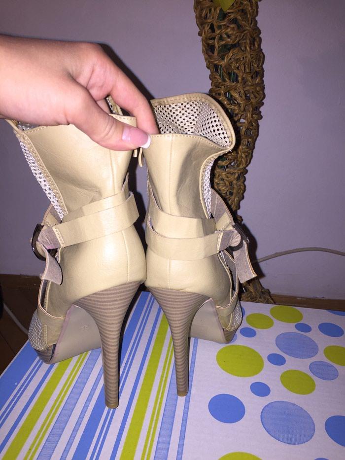 Štikla-sandala. Photo 1