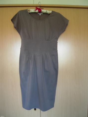 Haljine - Nis: Prelepa happening haljina, veličina 36, dužina 92 cm, poluobim struka 36 cm