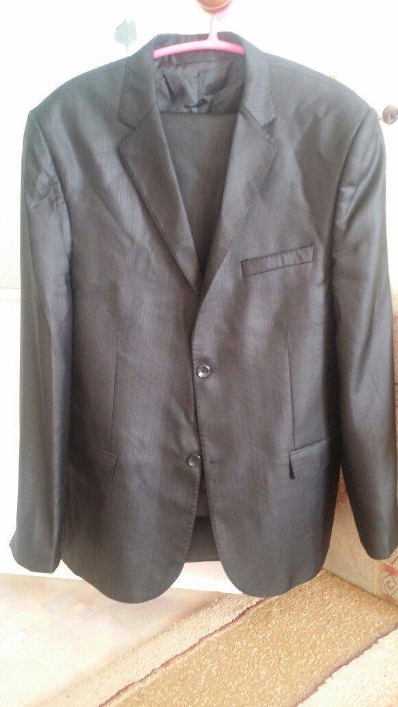 мужские костюмы Турция размер 48 и 52 одеты по разу; состояние нового  в Бишкеке