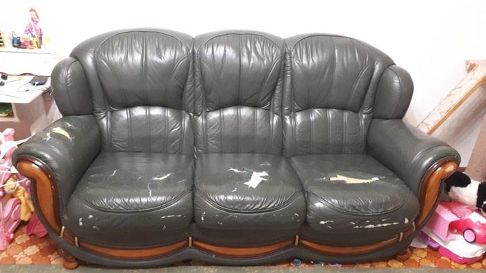 Продается диван,требуется реставрация. Photo 0