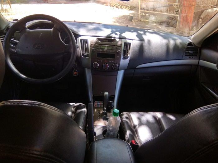 Hyundai Sonata 2011. Photo 5