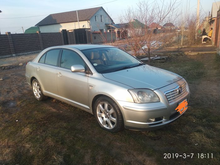 Toyota Avensis 2004. Photo 1