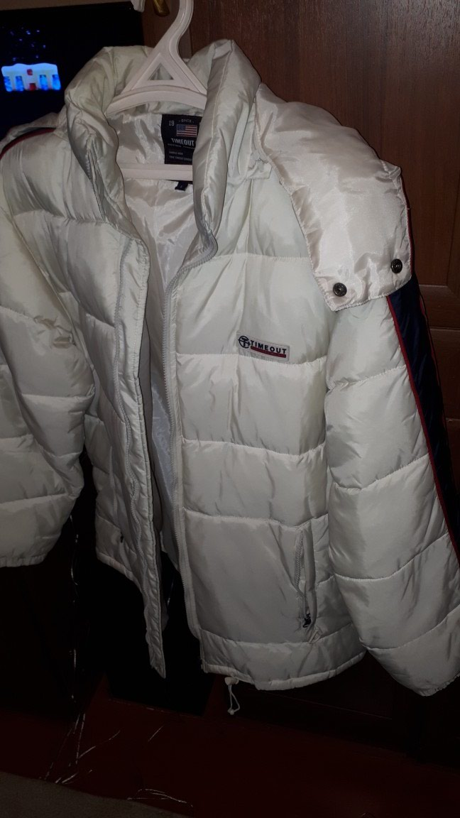 Дутая куртка TIMEOUT Размер L  б\у   в  отличном состояний. Photo 1