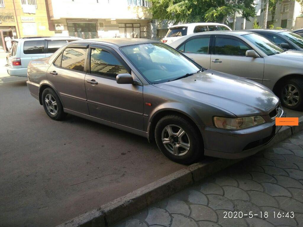 Honda Accord 1.8 л. 2002