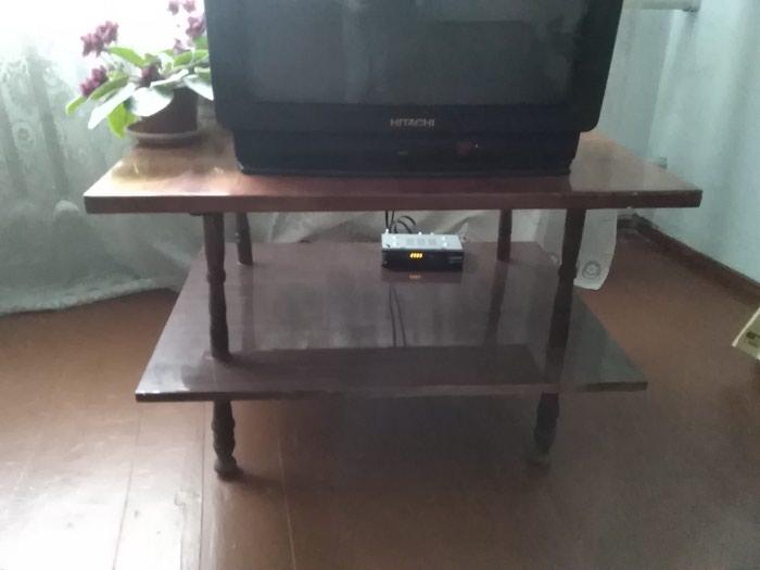Продаю крепкий столик под телевизор, можно по иные цели. Цена-400 сом в Сокулук