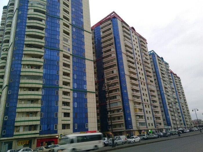 Bakı şəhərində bakixanov akordun binasi 19/16. 1 otaq 3 duzeldirilib qazi suyu iwiqi